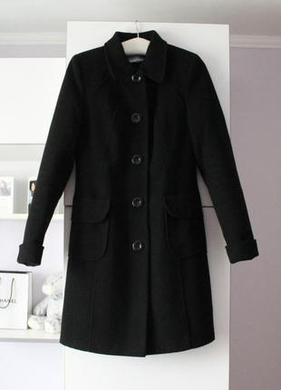 Черное базовое пальто по фигуре от albanto