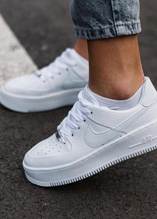 Шикарные женские кроссовки nike air force 1 platform white