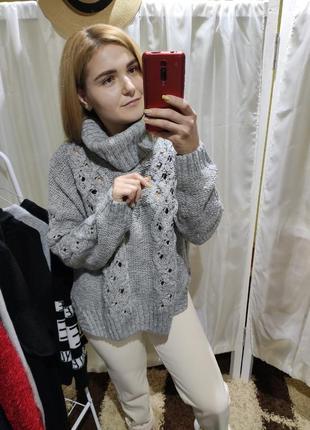 Очень теплый свитер стойка с косами opus