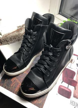 Демисезонные ботинки, высокие кеды 39-40