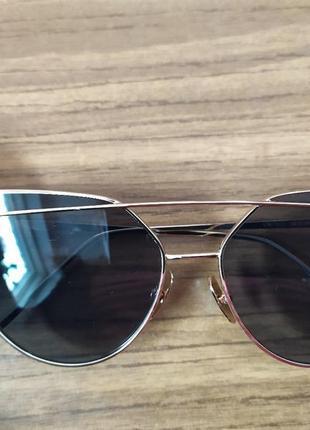 Очки женские солнцезащитные черные с золотой оправой стекло