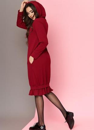 Бордовое платье-оверсайз с капюшончиком бренда van gils