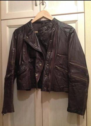 Стильная кожаная куртка косуха