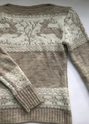 Тёплый свитер фабричной вязки