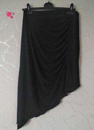 Трикотажная юбка с драпировкой, асимметрия