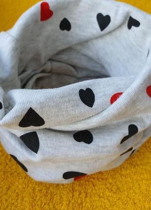 Новый серый детский шарф-снуд (бафф) с принтом сердечки