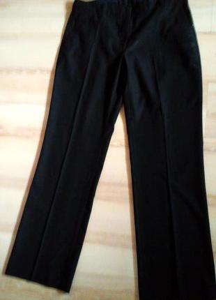Классические брюки черного цвета