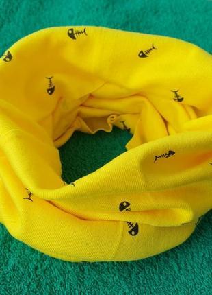 Новый желтый детский шарф-снуд (бафф) с принтом рыбки