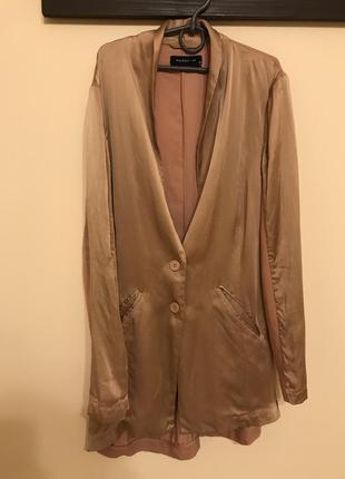 Шелковый пиджак оверсайз сильный бежевый розовый