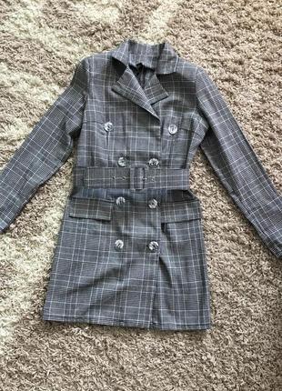 Трендовый пиджак платье в клеточку