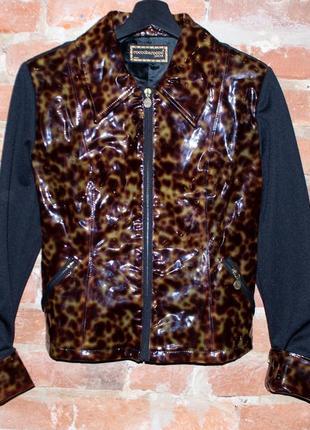 Стильная оригинальная куртка roccobarocco jeans