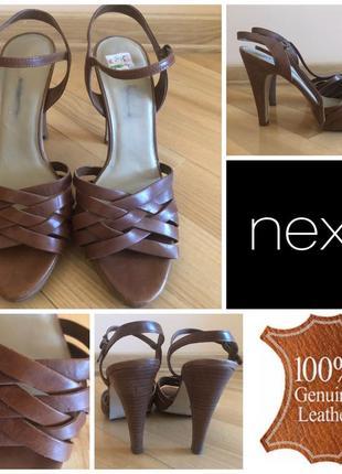 Новые кожаные натуральные босоножки  next 39 25 см