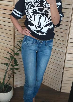 Стильные джинсы с потёртостями низкая посадка от blue rags