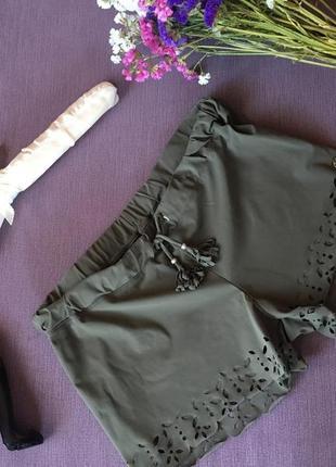 Актуальные коротенькие шорты хаки banana moon