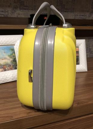 Сумка дорожная пластиковая ( на чемодан ручки)