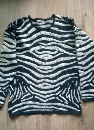 """Шерстяной свитер вывязан рисунком """"под зебру"""" с метализированой нитью"""