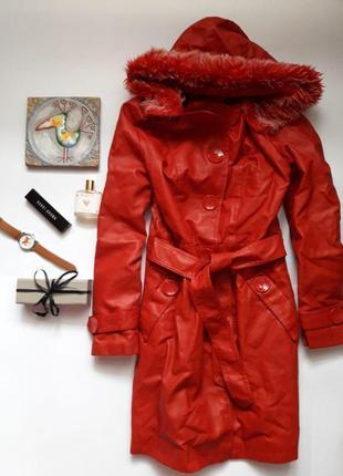 🌿  пальто утеплене з уютним капюшоном casablanca