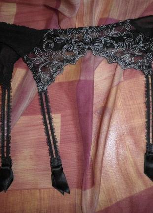 Элегантный кружевной качественный пояс под чулочки triumph 70-75 s