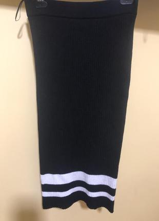 Шикарная узкая трикотажная юбка- лапша, идеально садится по фигурке, р. 36-42, от zara.
