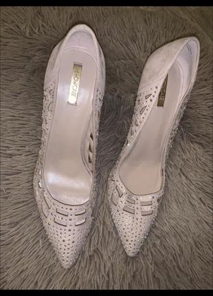 Свадебные туфли в камнях