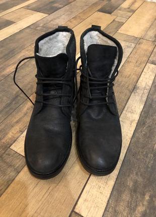 Чоловічі черевики нові
