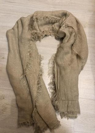 Бежевый тёплый шарф бершка