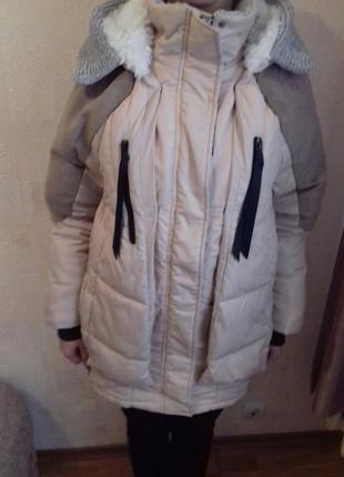 Очень теплая куртка - трансформер на холлофайбере. отлично подойдет для беременных.