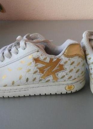 Оригинальные кроссовки с таракашками из сша zoo york 36.5-37