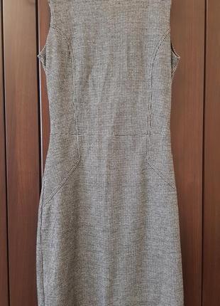 Теплое платье без рукав