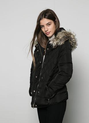 Теплая куртка bershka