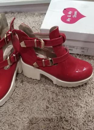 Ботинки черевики ботильйони