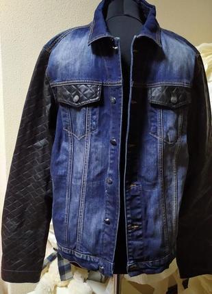 Джинсовая куртка с кожанными pu руравами и отделкой