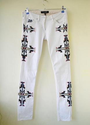 Женские джинсы с вышивкой isabel marant