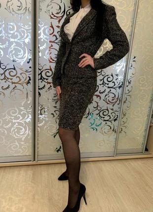 Шикарный женский костюм