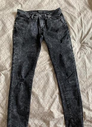 Джинсы чёрные серые с потертостями с дырками bershka узкие