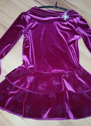 Нарядное бархатное платье на 5 лет