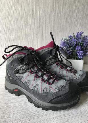 Женские треккинговые ботинки salomon