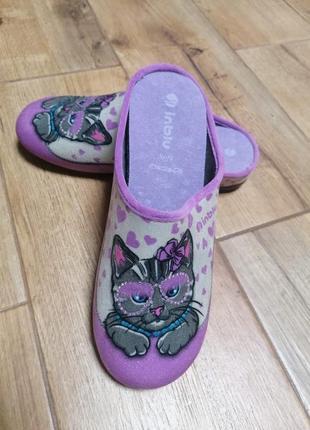 Тапочки с котиками. inblu.