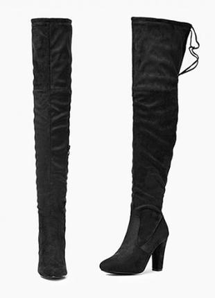 Черные замшевые ботфорты на устойчивом каблуке от vices