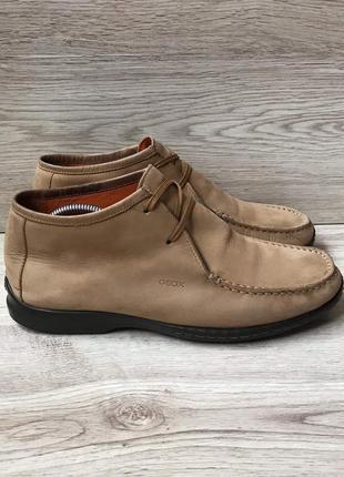 Шкіряне взуття geox