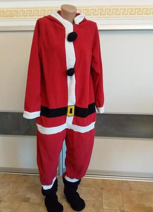 Пижама или костюм деда мороза