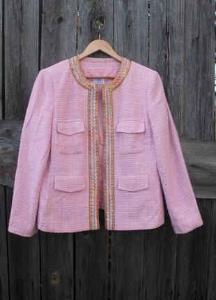 Красивый женский жакет пиджак