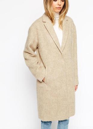 Кремовое пальто от zebra