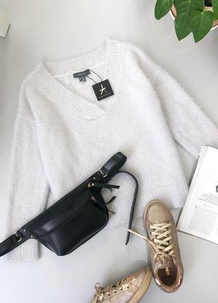 Нежный пушистый свитер травка с v вырезом atmosphere