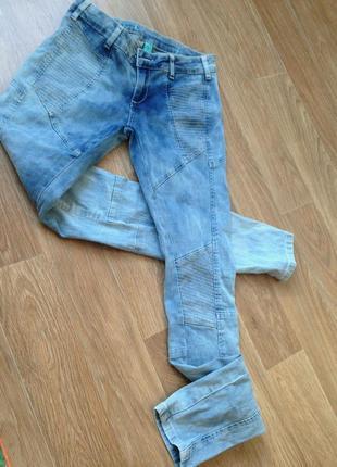 Удобные обтягивающие джинсы вареные скинни джегинсы голубые модные интересный крой