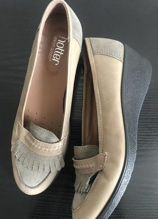 Добротные осенние туфли hotter широкая ножка 7 1/5 26.5