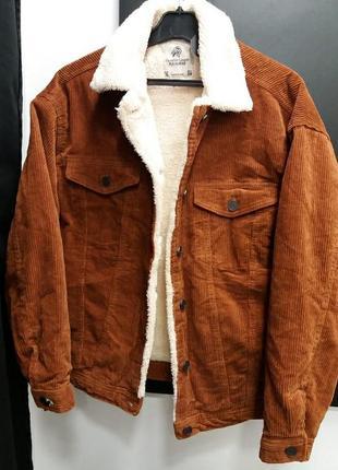 Вельветовая осенняя  куртка