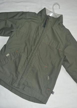 Ветровка / куртка / анорак цвета хаки на рост 110 см