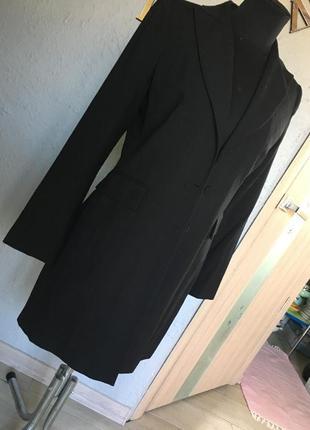 Шерстяной удлинённый тренч- базовая вещь гардероба