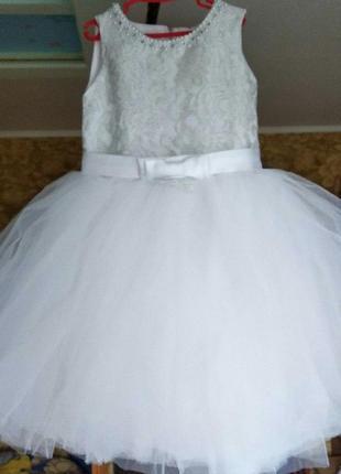 Святкові дитячі сукні-сніжинки